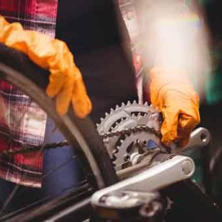 La restauración de bicicletas en Medellín: un viaje del pasado al presente